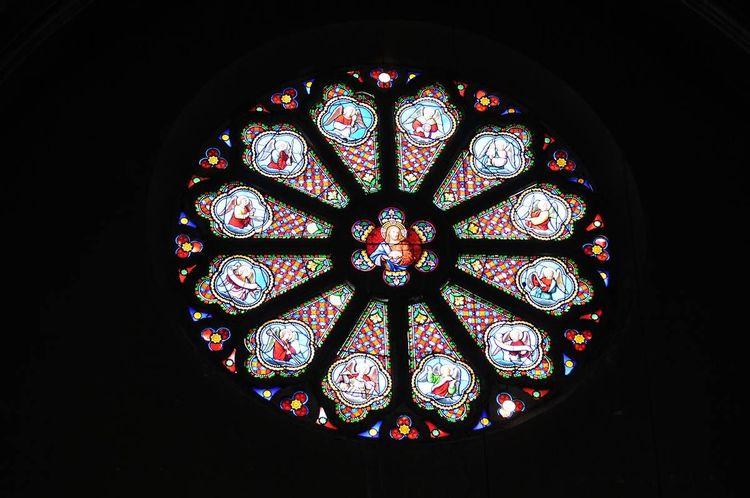 Rosace vitrail - église Saint-Jacques de Pau