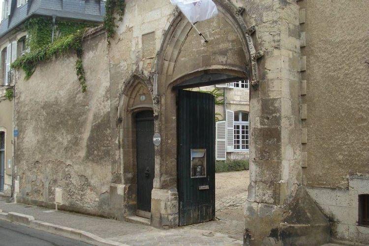 Porche de l'Hôtel de Panette à Bourges