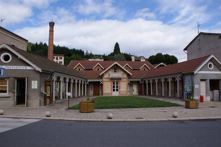 Les bains de Sail-sous-Couzan dans la Loire