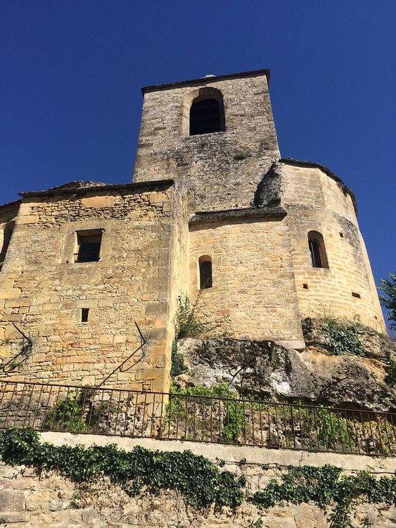 Vue en contreplongée - église Saint-Cybard