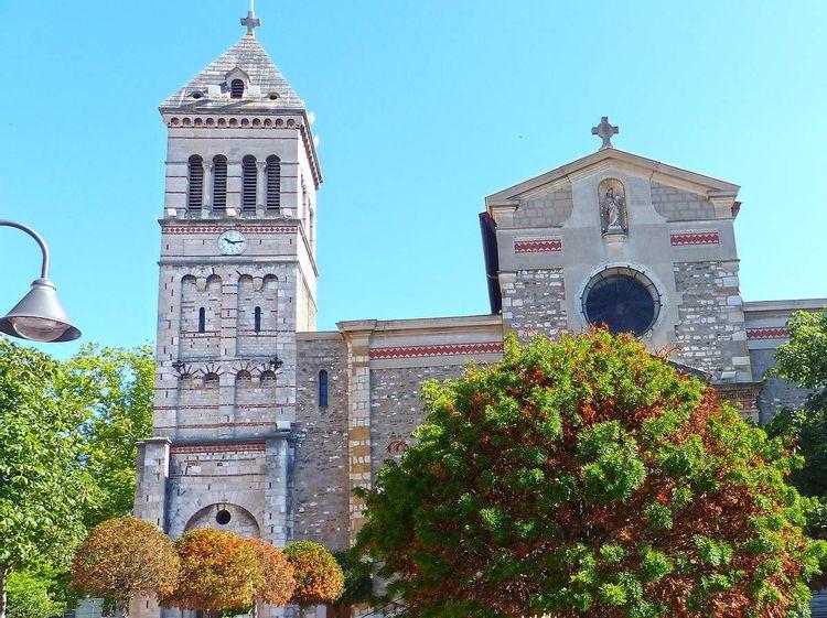Eglise de Sainte-Foy-lès-Lyon dans le Rhône