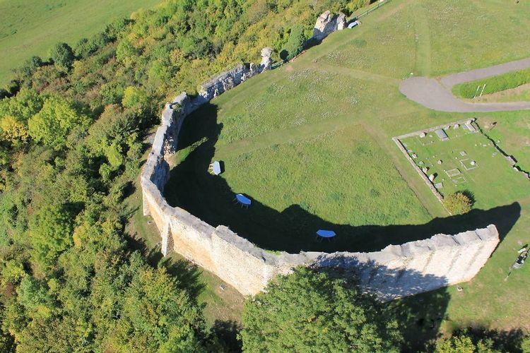 Ruines du château de Mousson en Meurthe-et-Moselle