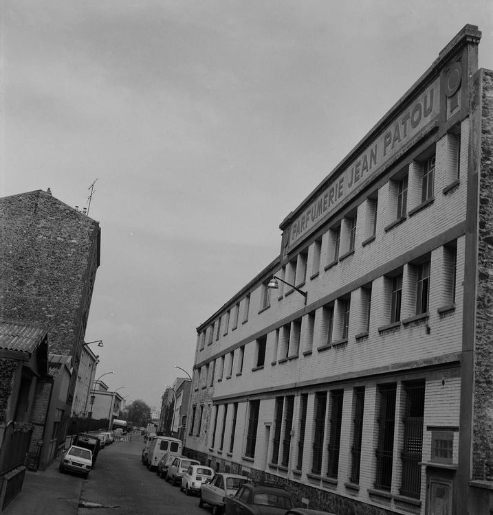 Parfumerie Jean Patou, aujourd'hui centre des Sciences et des Arts de Saint-Ouen