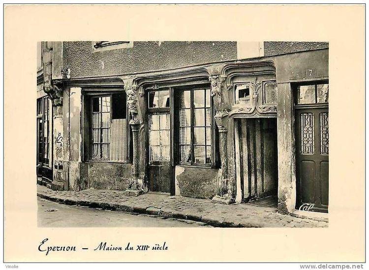 Maison à pans de bois à Épernon
