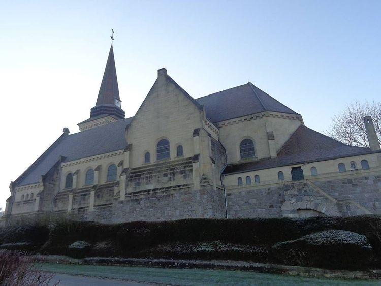Eglise Saint-Médard de Fresnes-Mazancourt dans la Somme