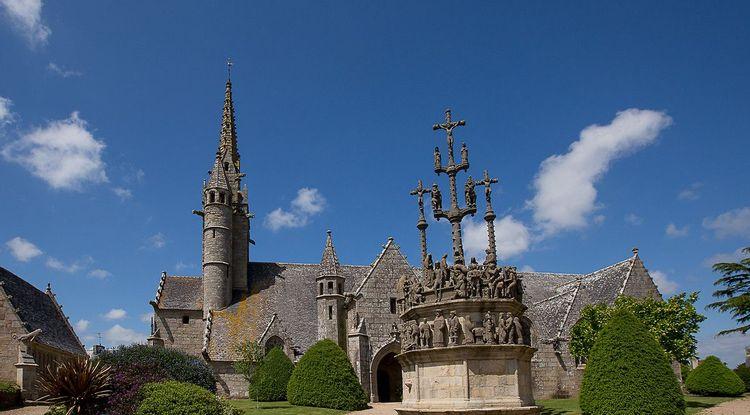 eglise saint-yves © ville de plougonven