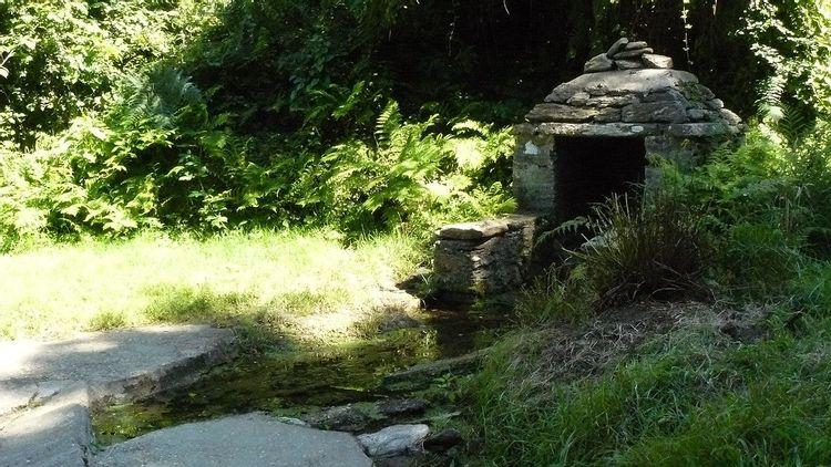 Lavoirs fontaines de Mez er Groez et Saint-Paul à Groix