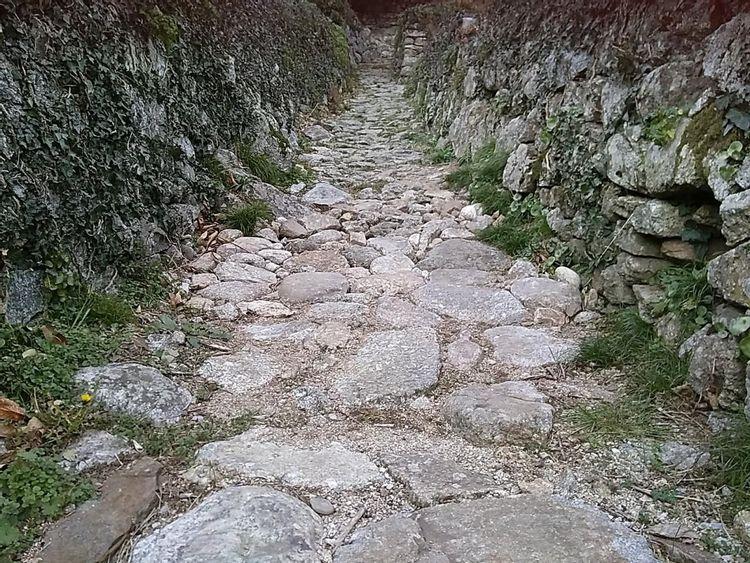 Calade du Chambonnet à Sainte-Marguerite-Lafigère