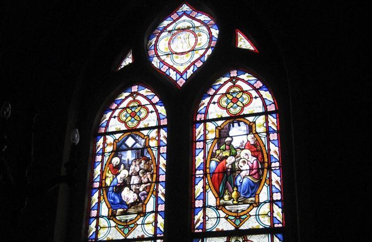 Les vitraux de l'église Saint-Germain de Betz dans l'Oise