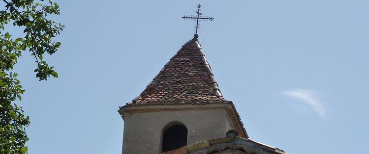 Clocher de l'église Saint-Barthélemy à Moriez
