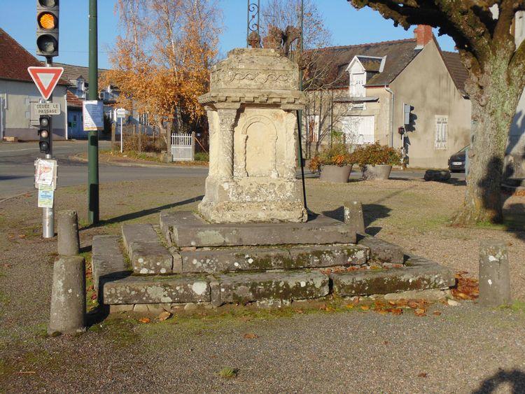 Croix de Bourg de Saint-Germain-Chassenay