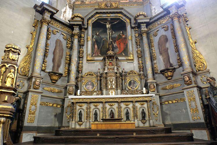 Retable et maitre-autel de l'église de Plouézec