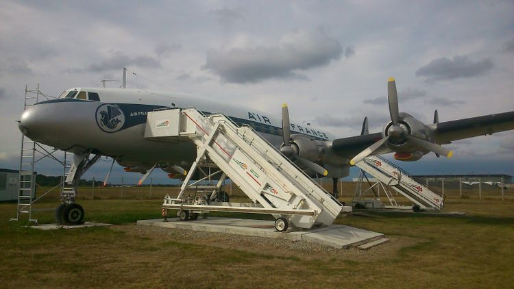 Lockheed L1049 G Super Constellation n° F-BGNJ à St-Aignan-Grandlieu