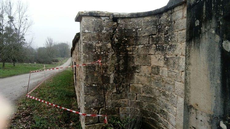 Mur du cimetière de Lalheue