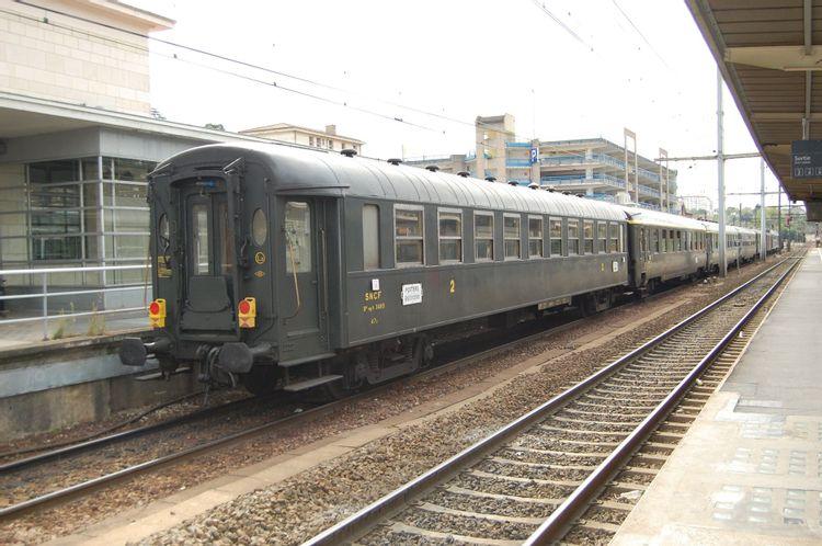 Voiture de voyageurs 2e classe OCEM B10