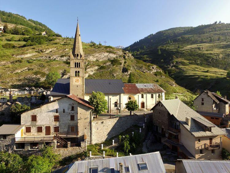Église Saint-Jean-Baptiste à Aiguilles