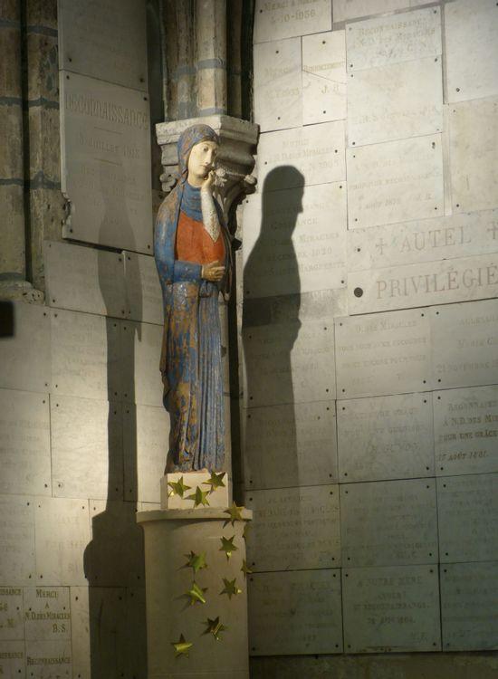 Statue en bois polychrome, Notre Dame des Miracles