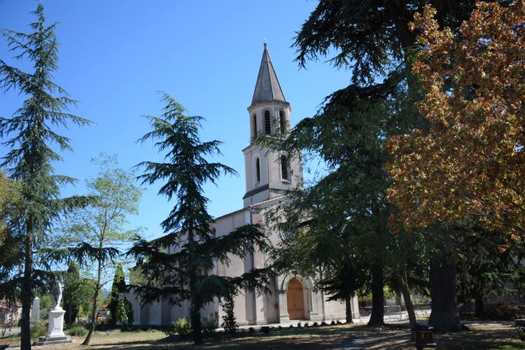 Vitraux de l'église de Palleville