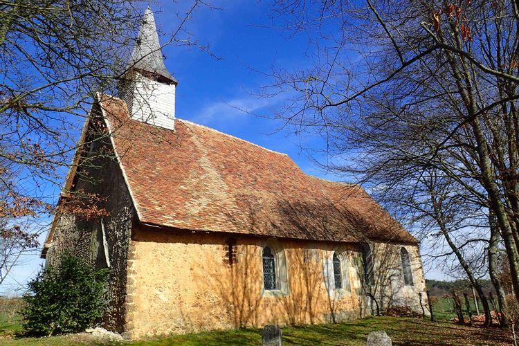 Le porche de l'église de Pierre-Ronde de Mesnil-en-ouche