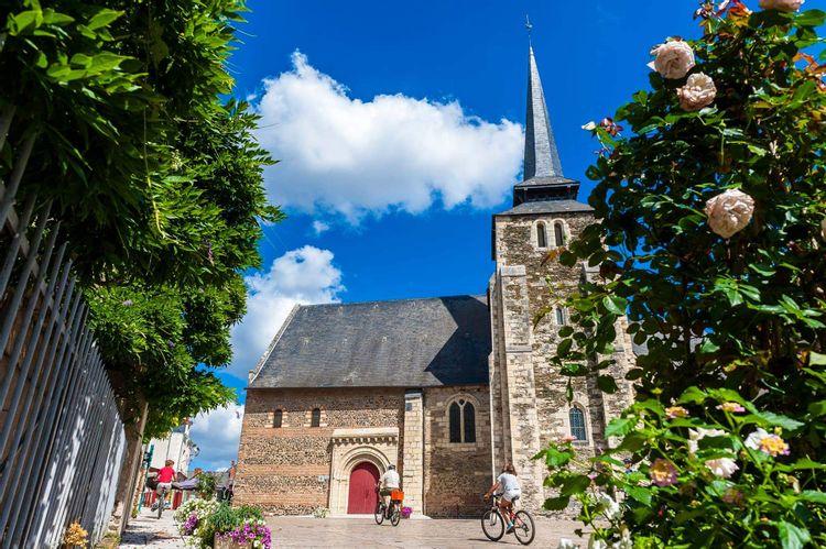 Église Saint-Pierre-et-Saint-Romain à Savennières