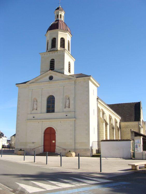 fronton de l'église d'Allonnes