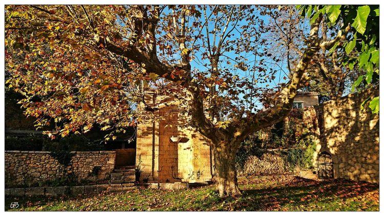Vue d'ensemble de la Fontaine - Artignosc-sur-Verdon