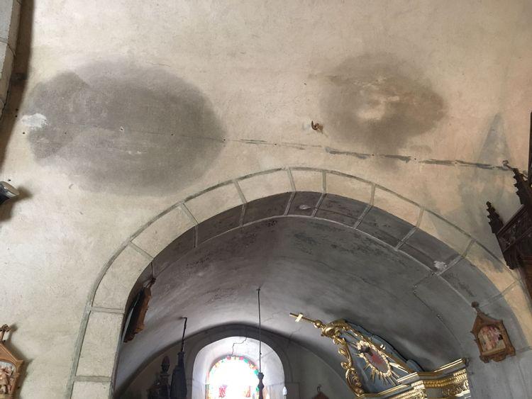 Infiltrations dans l'église Saint-Blaise de La Godivelle