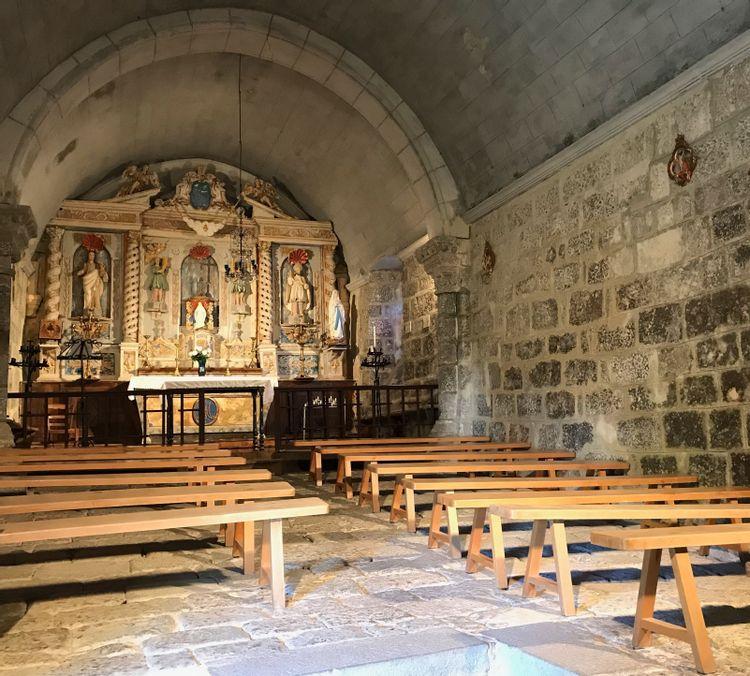 Intérieur de la chapelle de Turlande à Paulhenc