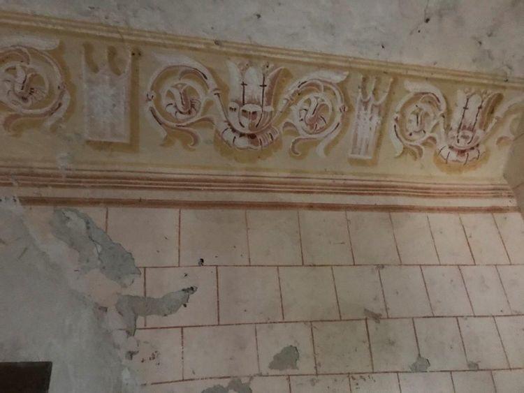 Mur - église Saint-Pierre-ès-Liens de Doumillac