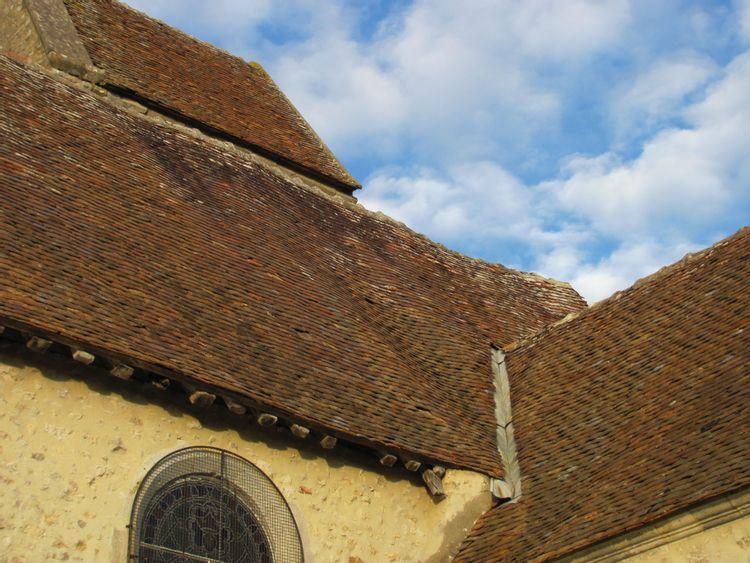 Toiture de l'église Saint-Sulpice de Faÿ-lès-Nemours