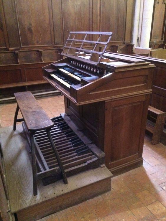 Piano d'orgue de l'église Saint Médard