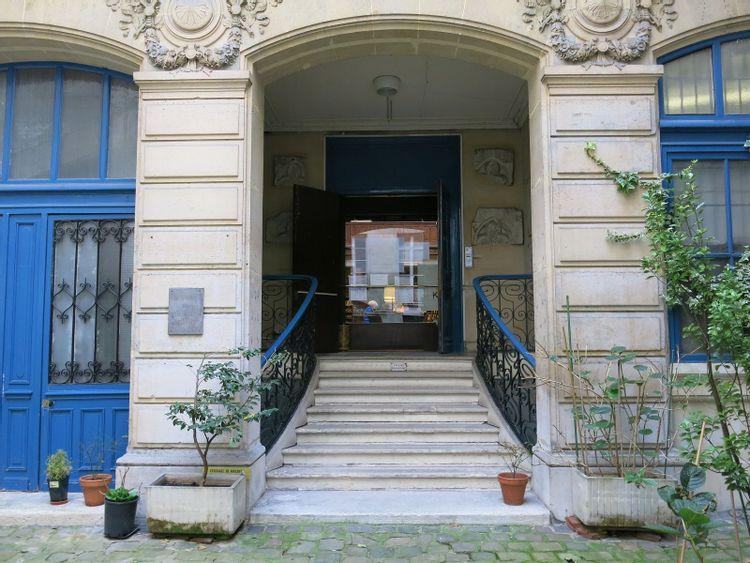 entrée de la bibliothèque du protestantisme à paris