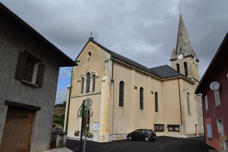 Cloche et cadrans de l'église de Saint-Sulpice-des-Rivoires en Isère