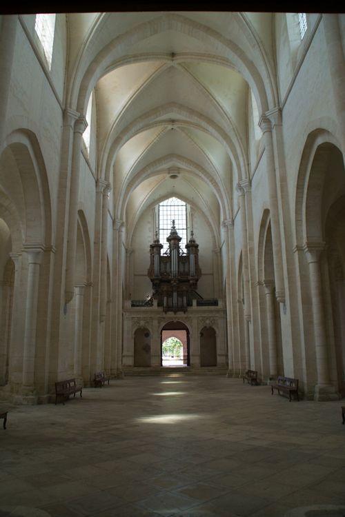 orgue de l'abbaye de pontigny