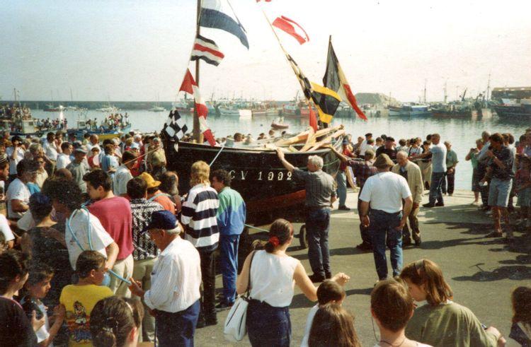 Mise à l'eau du Sauveur des Petits en 1992 © Association Bag Leskon
