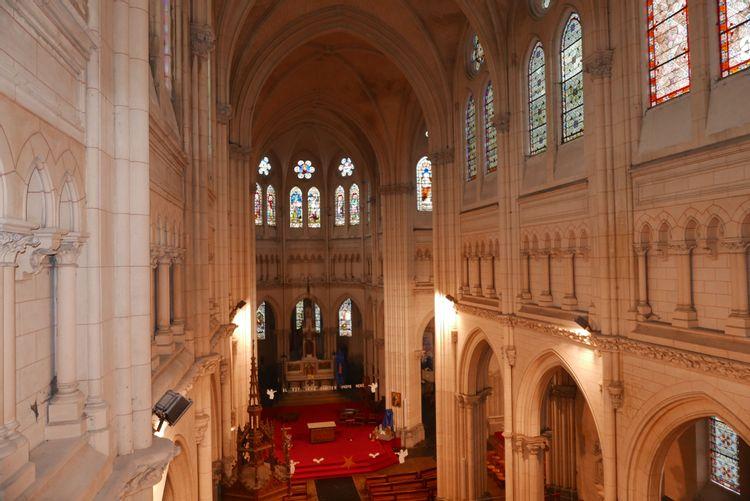 Intérieur de la basilique Ste Maxellende de Caudry