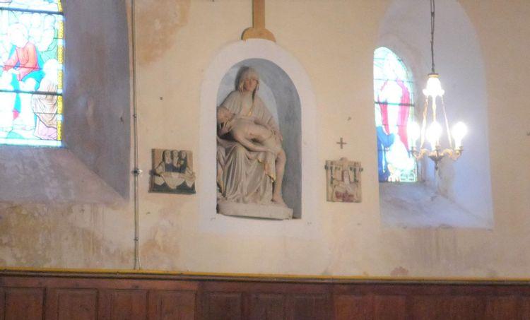 pietà de l'église d'aigné