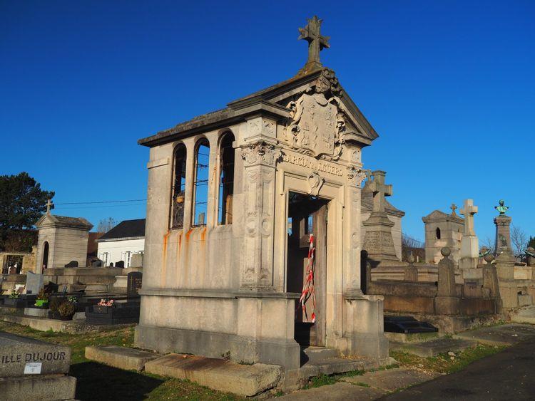 La chapelle funéraire du cimetière de Sainte-Adresse