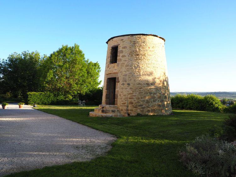 Moulin à vent à Saint-Félix-Lauragais