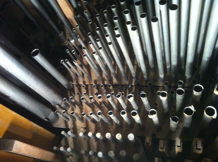 tuyaux d'orgue eglise Saint Médard