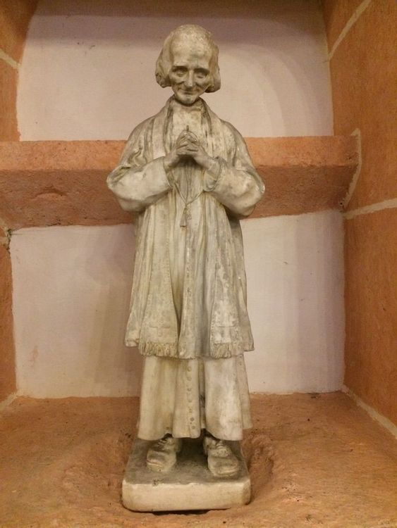 Statue de l'église de Mercurey