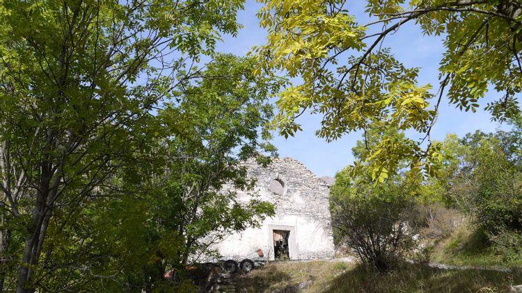 Église Saint-Sébastien du hameau de l'Ubac à Jausiers