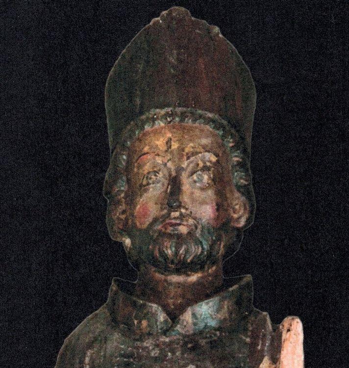 statue d'évêque de l'église saint-martin de montastruc-de-salies
