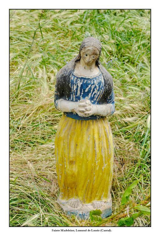 Statues de Sainte-Madeleine à Laurie