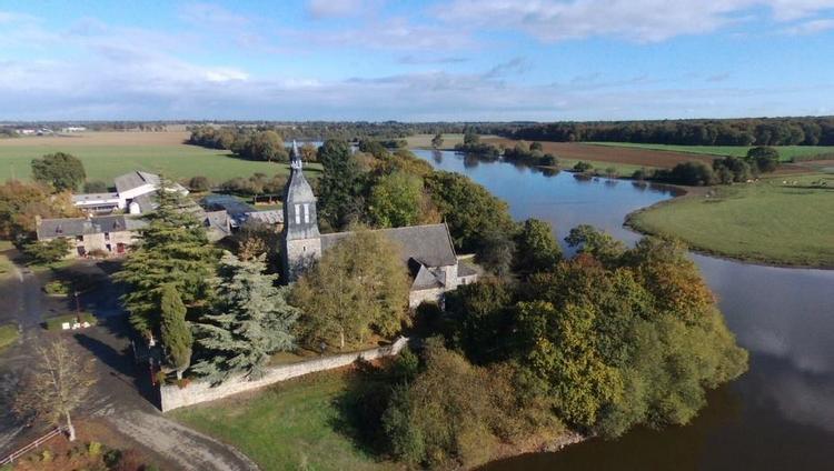 Eglise Saint-Mélaine d'Andouille-Neuville