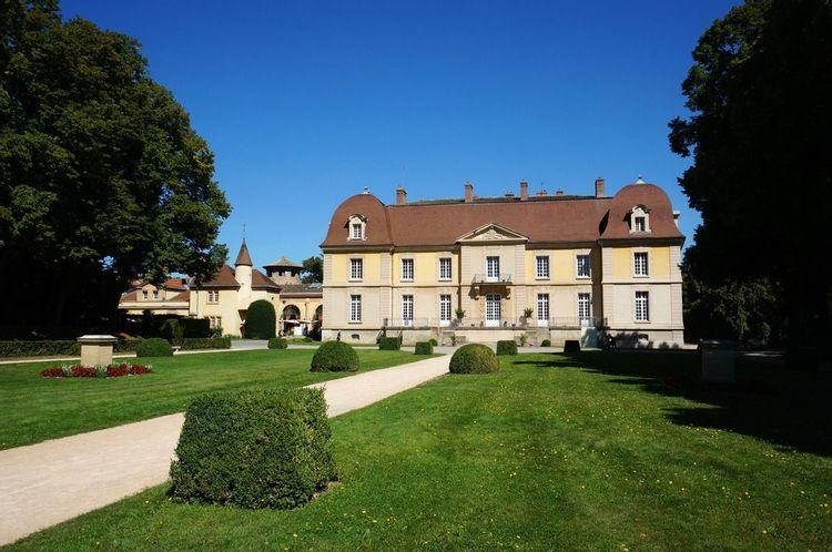 Château de Lacroix-Laval à Marcy-l'Etoile dans le Rhône