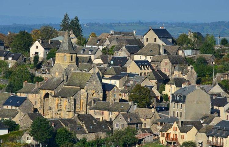 Centre historique du village aveyronnais de Prades d'Aubrac
