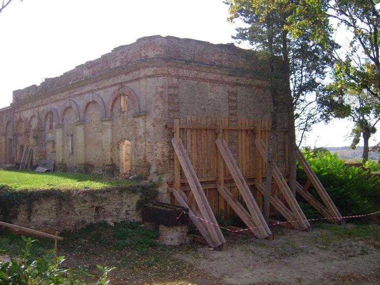 orangerie et maison du jardinier du domaine de bonrepos-riquet