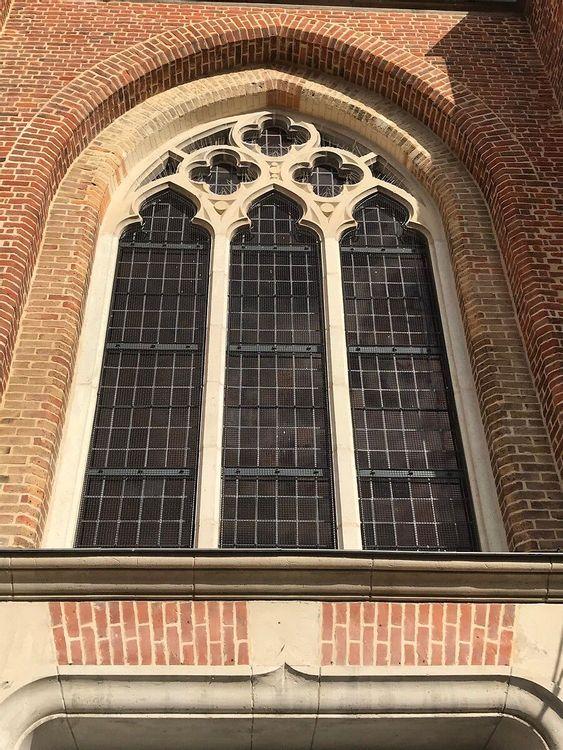vitrail de l'église Saint Omer de Caëstre