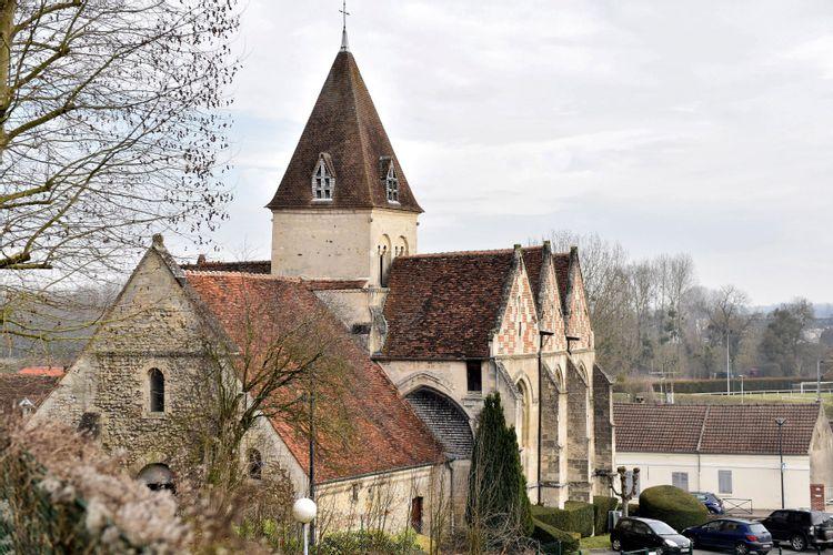 Objets d'art de l'église Saint-Pierre de Jaux